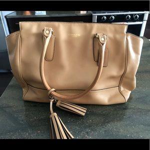 Light brown leather Coach shoulder bag